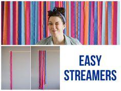 """Hacer un telón de fondo de """"rayas"""" es tan sencillo como pegar tiras a tu pared."""