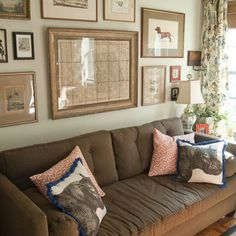 Traditional Living Photos Brown Sofa Design Ideas, Pictures, Remodel, and Decor - page 3 Living Room New York, Living Room Photos, Formal Living Rooms, Wall Behind Couch, Above Couch, Art Over Couch, Sofa Design, Wall Design, Display Design
