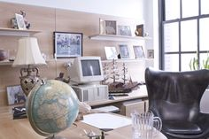 With a love for all of the top ad markets in the world, Ignacio's Corner Office at Ignacionale Worldwide features many fine collectibles from his travels. http://www.3hourjobhunt.com/