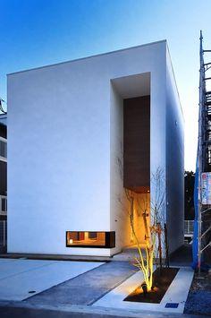 Leonardo Finotti - A Collection of Latin American Modern Architecture Minimal Architecture, Facade Architecture, Residential Architecture, Neoclassical Architecture, Design Exterior, Facade Design, Villefranche Sur Saône, Japanese Modern House, Cluster House