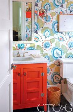cottage Garden room floral wallpaper in powder room Powder Room Wallpaper, Bathroom Wallpaper, Funky Wallpaper, Wallpaper Pictures, Wall Wallpaper, Bathroom Renos, Master Bathroom, Bathroom Vanities, Bathroom Ideas
