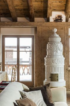 Polish stove it looks like a wedding cake Chalet Interior, Interior And Exterior, Foyers, Old Stove, Swedish Interiors, Stove Fireplace, Log Cabin Homes, Interior Decorating, Interior Design