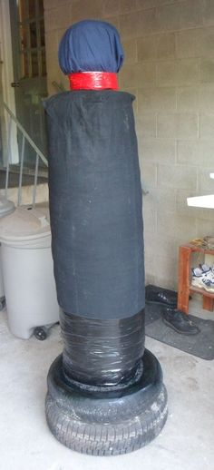 DIY Free-standing MMA BOB (Body Opponent Bag) and look around a home dojo (hojo as he calls it)