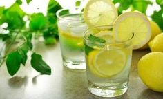 The health benefits of drinking lemon water, and drinking warm lemon water. These little superfruits can really change your life, just by drinking a glass of lemon water once or more a day! Drinking Warm Lemon Water, Lemon Water In The Morning, Lemon Water Benefits, Lemon Health Benefits, Garlic Benefits, Health And Wellness, Health Tips, Health Fitness, Health Care