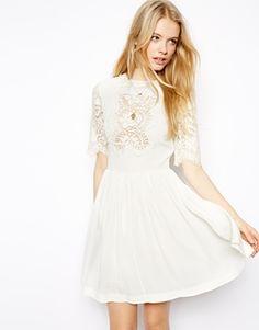 Agrandir ASOS - Jolie robe patineuse avec empiècements en dentelle