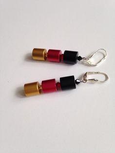 Schicke Ohrringe aus Alu in schwarz-rot-gold