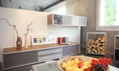 Wohnen    Auch das Wohnmöbel-Programm von AluOffice überzeugt in seinen klaren Formen und der edlen Verarbeitung. Überzeugen Sie sich selbst in unserer Ausstellung von den vielfältigen Möglichkeiten Aluminium, Modern, Shelves, Design, Home Decor, Trendy Tree, Shelving, Decoration Home, Room Decor