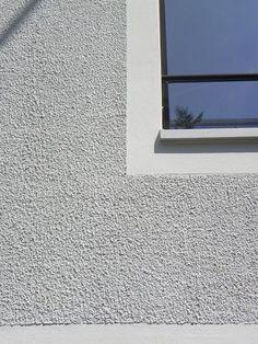 / the last 10 millimeters Stucco Homes, Stucco Exterior, Exterior Colors, Exterior Paint, Exterior Design, Wall Texture Design, Wall Design, Pebble Dash, Exterior Wall Materials