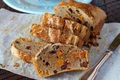 It's really easy to whip up your own raisin bread, so say goodbye to the store-bought version, which is usually full of preservatives and refined sugars! Even better, this recipe has no grains,