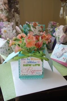 CARD IN A BOX TECHNICQUE FROM STAMPIN UP . I ADD MY OWN SIGNATURE MY FLOWERS