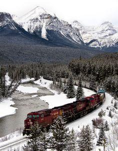 CP Rail train in the Canadian Rockies  (by Ahab Abdel-Aziz on Flickr)
