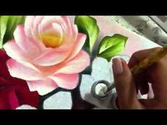 Ana Laura Rodrigues Pintando Rosas
