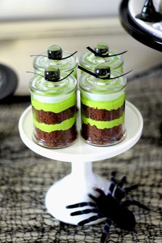 Treats in a Jar at a Halloween Party #Halloween #party