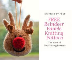 FREE Reindeer Bauble Knitting Pattern Yarn : Oddments of double knitting light brown, dark brown, red and black. Small amount of toy stuffing.Needles : single pointed needlesAbbreviations : k – knit, p – purl, st – st. Knitted Christmas Decorations, Knit Christmas Ornaments, Christmas Toys, Lego Ornaments, Crochet Ornaments, Christmas Star, Knitting For Charity, Double Knitting, Free Knitting