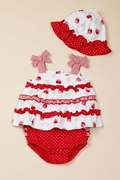 Vitamins Baby 3-Piece Diaper Set Strawberries for lovely Pony