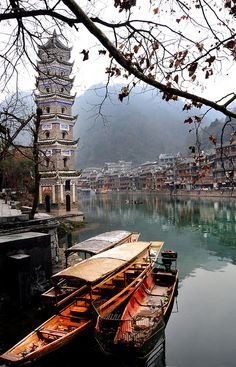 Phoenix Ancient Town - Hunan - China (von Melinda... | Amazing Places