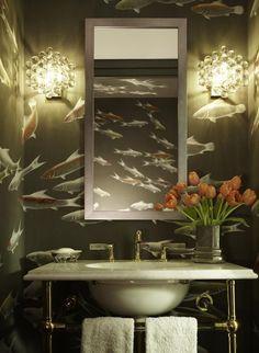 badezimmer schwraze tapeten fische orange tulpen