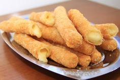 Cigarretes de queijo preparado na Sky lanches, localizada na Avenida Champagnat, no Centro de Vila Velha. Os cigarretes de queijo são tradicionais na cidade - Editoria: Revista AG