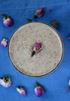 Honey Rose Petal Smoothie | If this smoothie went by any other name, would it taste as sweet?