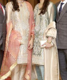 Beautiful Pakistani Dresses, Pakistani Formal Dresses, Pakistani Fashion Party Wear, Pakistani Wedding Outfits, Pakistani Bridal Dresses, Pakistani Dress Design, Indian Dresses, Latest Pakistani Fashion, Walima Dress