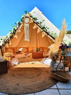 14th Birthday Party Ideas, Teen Birthday, Bell Tent Glamping, Tent Camping, Backyard Plan, Backyard Patio, Bell Tent Interior Ideas, Tent Hire, Vacation Places