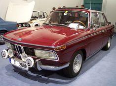 BMW 2000 tii red vl TCE - BMW Neue Klasse – Wikipedia My Dream Car, Dream Cars, Nsu Ro80, Achtung Baby, Bmw Vintage, Bmw Autos, Bmw Classic Cars, Bmw E39, Bmw 2002