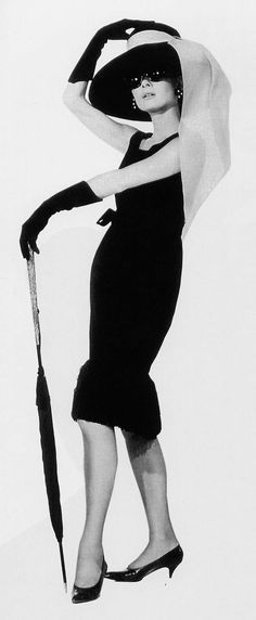 1000 images about das kleine schwarze on pinterest anita ekberg linda evangelista and chanel. Black Bedroom Furniture Sets. Home Design Ideas