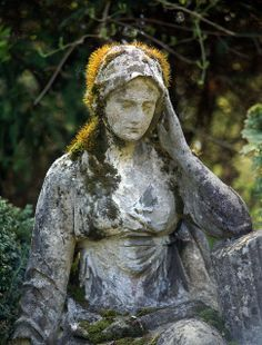 Marker- Angel with a Golden Halo at the Melaten Cemetery. http://www.thefuneralsource.org/cemeurope.html