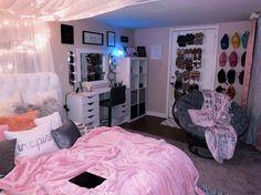 Cozy Teen Bedroom, Bedroom Decor For Teen Girls, Cute Bedroom Decor, Chill Room, Cozy Room, Room Design Bedroom, Room Ideas Bedroom, Chambre Indie, Beauty Room Decor