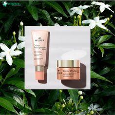 Egy kis rózsaszín kényeztetés a szürke hétköznapokat is szebbé teszi! A NUXE Crème Prodigieuse Boost Multi-korrekciós készítmények a jázmin virág és antioxidáns komplex tartalmukkal a rohanó életstílus (fáradékonyság, stressz) és városi környezet bőrön jelentkező káros hatásai ellen harcolnak. Lipstick, Beauty, Lipsticks, Beauty Illustration