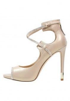 Stylowe sandały damskie Geox idealne na ciepłe dni! Odwiedź