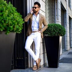 8 bespoke men's fashion - classy & gorgeous. Mens Fashion Summer Outfits, Men Fashion Show, Mens Fashion Week, Mens Fashion Suits, Men's Fashion, Fashion Check, Men's Suits, Skinny, Slimming World