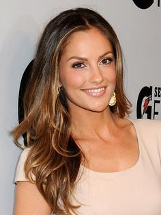 Minka Kelly's brunette hair color is full of contrasting highlights