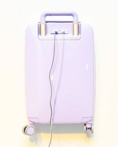 Calling all savvy travelers! Your jet-setting travel bag is in dire need of an update. Design-smart and tech-savvy startup Raden has just released a sleek line of suitcases equipped with a phone charging station, tracking device and a genius app to sync a Travel Info, New Travel, Travel Packing, Travel Luggage, Travel Style, Travel Bags, Spain Travel, Best Carry On Luggage, Cute Luggage
