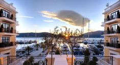 Located in the UNESCO-listed Boka Bay within a luxury Porto Montenegro Village in the town of Tivat, Regent Porto Montenegro offers an outdoor pool, as.