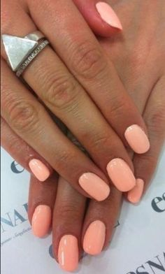 Impressive spring nail polish with light orange color - Trend Spring Nails Coffin 2019 Toe Nail Color, Gel Nail Colors, Pedicure Colors, Pretty Nail Colors, Spring Nail Colors, Spring Nails, Pink Summer Nails, Summer Nail Polish, Autumn Nails