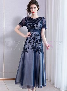 Shop Chic Embroidered Drilling Slim Maxi Party Dress at EZPOPSY. Gala Dresses, Dressy Dresses, Elegant Dresses, Bride Dresses, Evening Dresses, Wedding Dresses, Mother Of Bride Outfits, Mother Of Groom Dresses, Maxi Dress With Sleeves