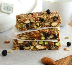 Inspired Edibles: Blueberry Bliss Breakfast Bars (Vegan, Gluten Free, Refined Sugar Free) - Haven't looked at the recipe, so not sure if it's clean, but it sure looks healthy! Protein Bar Recipes, Raw Food Recipes, Cooking Recipes, Healthy Recipes, Protein Bars, Healthy Protein, High Protein, Healthy Foods, Cooking Tips