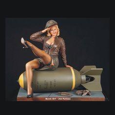 Bomb Girl By: Joe Furioso From: military-miniature-society-of-illinois #scalemodel #plastimodelismo #miniatura #miniature #miniatur #hobby #diorama #scalemodelkit #plastickits #usinadoskits #udk #maqueta #maquette #modelismo #modelism