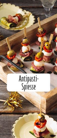 Anything but stuffy: Our REWE recipe for delicious antipasti skewers is … – Snacks – Finger Food Party Finger Foods, Snacks Für Party, Appetizers For Party, Tapas, Easy Canapes, Party Buffet, Roasted Almonds, Food Lists, Snack Recipes