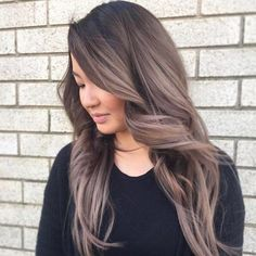 Ash brown hair can be a very cool idea to put on. If you are natural blonde trying to go brunette you can do an аsh brown hairstyle. Ash brown hairs can be