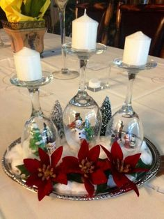 Christmas Decorating Hacks - Christmas Decorating Hacks that save time and money. Easy DIY and craft ideas with pictures included! Christmas Candle Decorations, Christmas Table Settings, Christmas Diy, Diy Ornaments, Christmas Candles, Country Christmas, Christmas Snowman, Christmas Trees, Wine Glass Candle Holder
