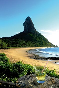 Fernando de Noronha is an archipelago of 21 islands and islets in the Atlantic Ocean, 354 km offshore from the Brazilian coast. Brazil