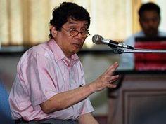 "Aulia Pohan terlibat kasus dugaan penyelewengan dana Yayasan Pengembangan Perbankan Indonesia (YPPI) sebesar Rp 100 miliar pada 2003. Pengadilan Tindak Pidana Korupsi, Jakarta, Rabu (17/6), ""Menyatakan terdakwa terbukti secara sah dan meyakinkan bersalah melakukan tindak pidana korupsi,"" kata Kresna Menon. Majelis hakim juga menjatuhkan denda Rp 200 juta subsider 6 bulan kurungan kepada Aulia Pohan."