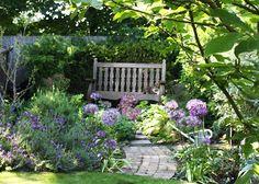 39 beautiful front garden cottage garden landscaping ideas - All For Garden Garden Nook, Corner Garden, Diy Garden, Shade Garden, Dream Garden, Cacti Garden, Lush Garden, Flowers Garden, Potager Garden