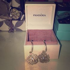 💯 authentic pandora earrings beautiful platinum pandora earrings😍😍Price is negotiable & if you have any questions, feel free to ask!!! Pandora Jewelry Earrings