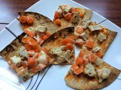 Buffalo Chicken Flatbread Pizza! #healthy #cleaneats #fitfam #tiu #lunch #dinner #snack #food #recipe