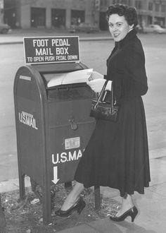 Vintage 1950 mailbox. Love it.