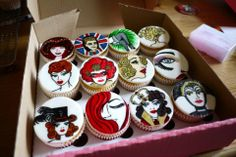 Cupcakes, limoncello, handpainted by Cake Follies