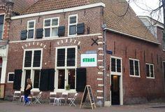 Het 17-eeuwse pand van Staal Haarlem. Op deze plek komen literatuur en culinair samen. #staal #haarlem #hotspot